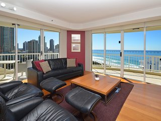 4 PERSON APARTMENT OCEAN VIEWS OPPOSITE BEACH A269 - Surfers Paradise vacation rentals