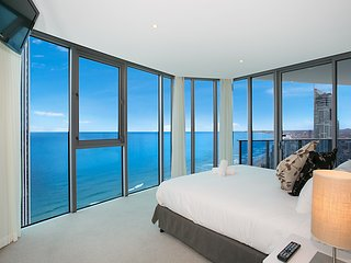 STUNNING APT 3 BED X 3 BATH 100M TO BEACH AT 25102 - Surfers Paradise vacation rentals