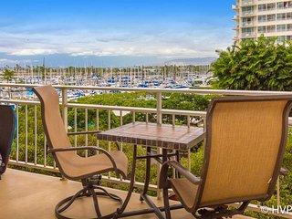 Ilikai 427 Ocean / Sunset / Marina  Views King Bed, Sofa Bed - Honolulu vacation rentals