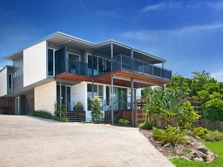 5 bedroom House with Deck in Peregian Beach - Peregian Beach vacation rentals