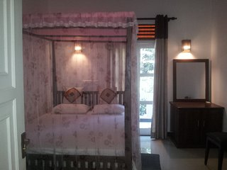 8 bedroom House with Internet Access in Tissamaharama - Tissamaharama vacation rentals
