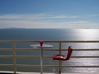 Luxury Apartment Jomtien Beach,Front Sea View - Jomtien Beach vacation rentals