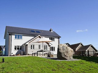 Modern, luxurious and spacious holiday cottage in Mid-Wales - Llanyre vacation rentals