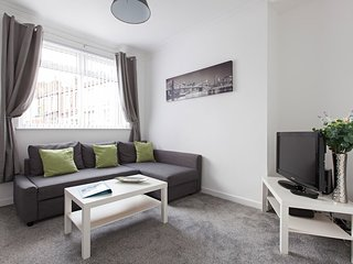 Cozy 3 bedroom House in Leeds - Leeds vacation rentals