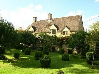 Pear Tree Cottage, Bledington. - Bledington vacation rentals