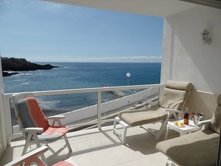 ANC835695| Beautiful FRONTLINE 2 Bedroom Apartment. 30 meters to beach.Free WiFi - Callao Salvaje vacation rentals