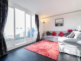 Luxury flat with terrace and 2bed-2bath in Kensington Olympia - Holland Park - London vacation rentals