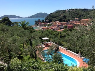 VILLAROSA luxury with seaview , private pool - San Terenzo vacation rentals
