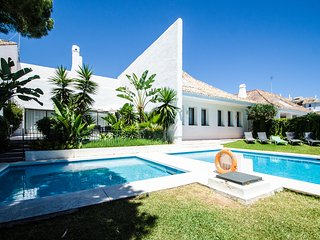 Spacious villa next to Puerto Banus Villa 2 - Marbella vacation rentals