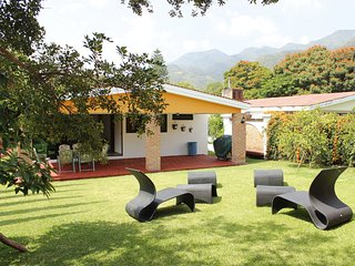 La Floresta house in private area - Ajijic vacation rentals