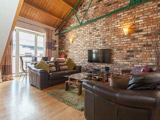Somerset Studios City Centre Sleeps 6 Parking WiFi - Belfast vacation rentals