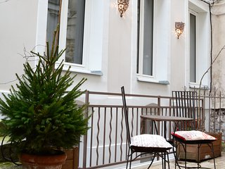 FAMILY HOME IN THE HEART OF MONTMARTRE - Paris vacation rentals