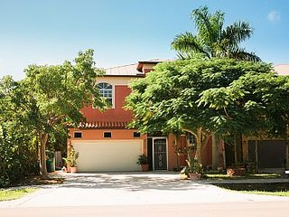 Mermaid Lagoon- NEAR BEACH, MANAGED BY OWNER - Naples vacation rentals