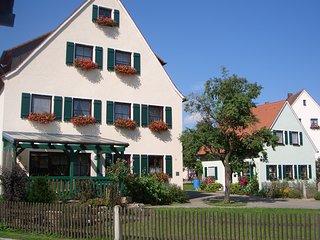 Ferienhaus + Fewo Nähe Nürnberg, Wlan free - Neuendettelsau vacation rentals