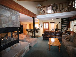 Nice 3 bedroom Wildernest House with Deck - Wildernest vacation rentals