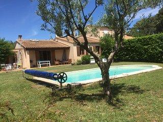 Villa piscine très calme , ambiance chaleureuse - Eguilles vacation rentals