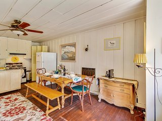 Comfortable 2 bedroom Guerneville House with Deck - Guerneville vacation rentals