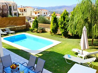 Villa Eleni private pool & seaview,3bedrooms,Wifi,BBQ,close to the beach - Tavronitis vacation rentals