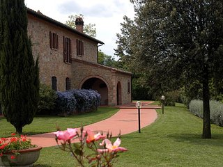 House with private garden Puccini - Montaione vacation rentals