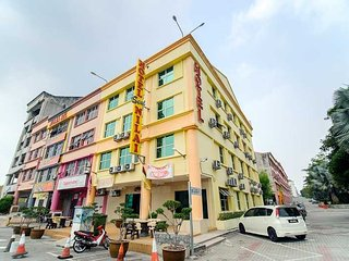 Hotel Seri Nilai - Tripple Room - Nilai vacation rentals