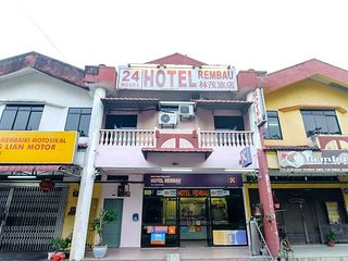 Nice Condo with Internet Access and Parking - Rantau vacation rentals