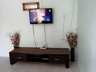 Cozy Apartment with DVD Player and Parking - Si Rusa vacation rentals