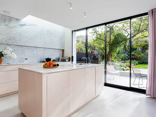Veeve - Canonbury Charm - London vacation rentals