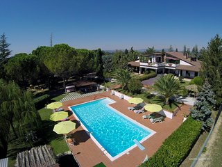 LUXURY APT IN VILLA WITH POOL, VIEW OF ASSISI - Assisi vacation rentals