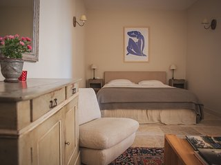 Sunny Condo with Internet Access and A/C - Lourmarin vacation rentals