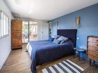 Les Petits Gardons / Gîte Blue Casbah pour 3 personnes  avec piscine intérieure - Castillon-du-Gard vacation rentals