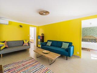 Gîte design pour 5 pers. avec piscine intérieure - Castillon-du-Gard vacation rentals