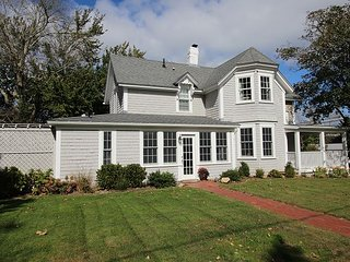 Charming House with Internet Access and A/C - Edgartown vacation rentals