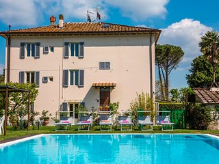 Casa Gemma, private pool and garden. 10 people - Lucca vacation rentals