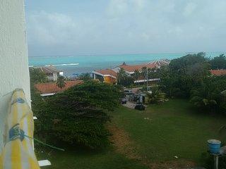 Apartamento economico y central, piscina y playa - San Andres vacation rentals