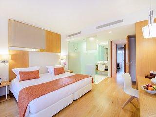 2 Bedroom grand deluxe villa in Cascais - Cascais vacation rentals