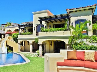 Casa de la Familia – 7 bedroom Contemporary Hacienda Style villa with - United States vacation rentals