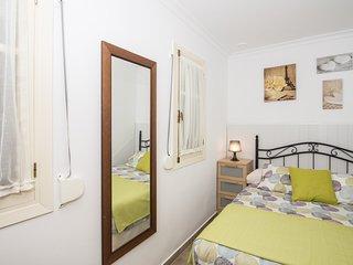 Romantic 1 bedroom Cadiz Apartment with Internet Access - Cadiz vacation rentals