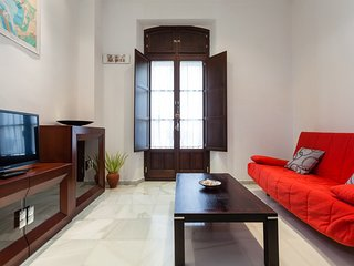 2 bedroom Apartment with Internet Access in Cadiz - Cadiz vacation rentals