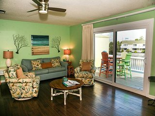 Beautiful 2 Bedroom 2 Bath Townhome!! Very clean unit. Private beach access!! - Destin vacation rentals