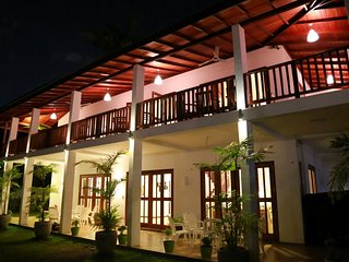 6BR Deluxe Villa with a Pool - Hikkaduwa vacation rentals