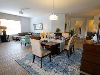 VISTA CAY PARADISE POOLSIDE LAKE VIEW CONDO HUGE! - Orlando vacation rentals
