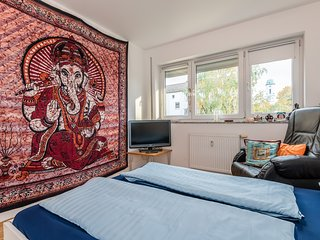 Cozy-Bright-Room (20 Min from Center) - Munich vacation rentals
