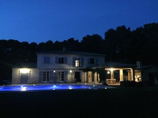 6 bedroom House with Internet Access in Saint-Marc-Jaumegarde - Saint-Marc-Jaumegarde vacation rentals