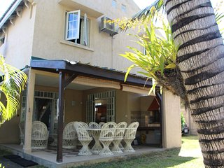 Comfortable villa with access to the beach - Trou aux Biches vacation rentals