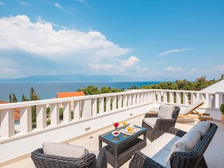 Beutifull luxury villa with pool - great sea view - Sutivan vacation rentals