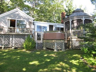 Gorgeous 1 bedroom Blue Hill House with Deck - Blue Hill vacation rentals