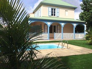 VILLA 3 CH- PISCINE 20 M DE LA PLAGE D'ORIENT BAY - Orient Bay vacation rentals