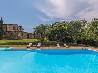 Gorgeous 4 bedroom House in Monsummano Terme with Deck - Monsummano Terme vacation rentals