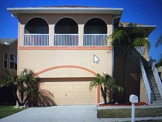 Luxury Waterfront Home: Private Beach, Heated Pool - New Port Richey vacation rentals