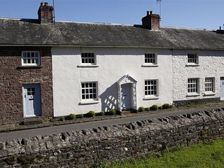 3 bedroom Cottage with Internet Access in Llanfrynach - Llanfrynach vacation rentals